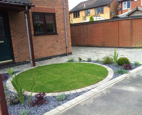 Front Garden Driveway Ideas A Circular Front Garden And Driveway Design By Lgd