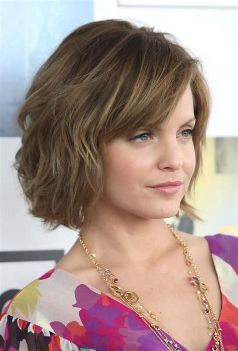 Shoulder Length Hairstyles With Layers by 15 Inspirations Of Mena Suvari Shoulder Length Bob Hairstyles