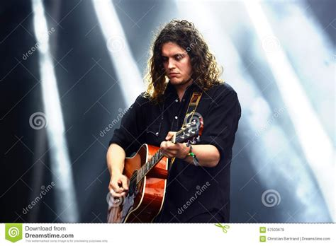 who is the singer guitar player that does the direct tv commercial the guitar player of tom odell editorial stock image