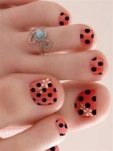 new toe naul polish 25 cute and adorable toenail art designs