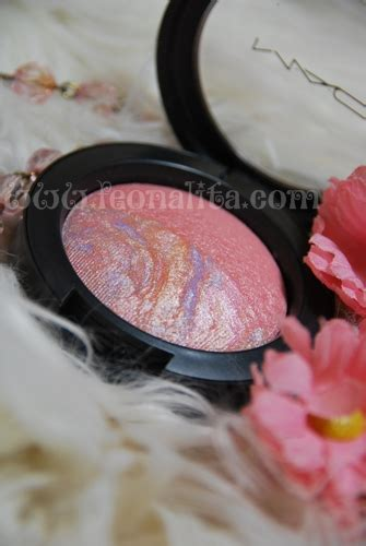 A Blush On Duo C 48gr review m a c mineralize duo blush moon river