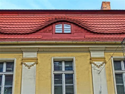 Arched Dormer Window Dormer Window Designing Buildings Wiki