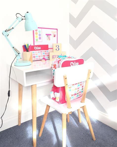 Meja Belajar Hello Terbaru 25 dekorasi dan desain ruang belajar minimalis modern