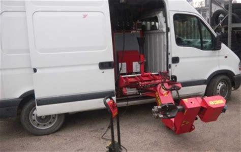 vendo officina mobile servizi ingrosso pneumatici vendita e assistenza