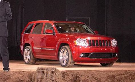 2005 Jeep Grand Srt8 Jeep Grand Srt8 Auto Shows Car And Driver