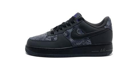 all black nike shoes sepatupria terbaru all black sneakers images