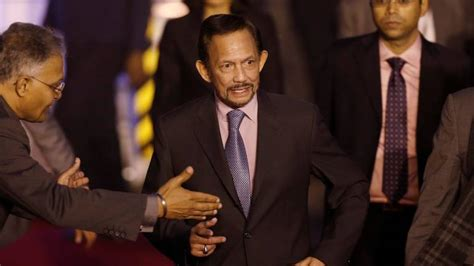 sultan hassanal bolkiah plane sultan of brunei hassanal bolkiah flies his own plane to