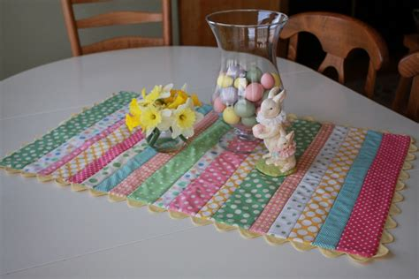 Quilted Easter Table Runner Pattern by 28 Free Quilted Table Runners Pattern Guide Patterns