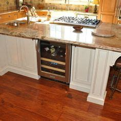 kitchen island with cooktop and seating 1000 images about kitchen islands on custom