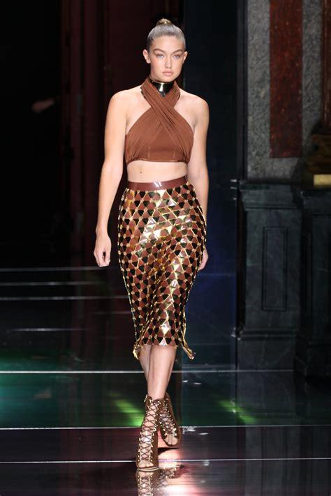 Snaps For Catwalk by Model Gigi Hadid Struts Stuff For Balmain 2016