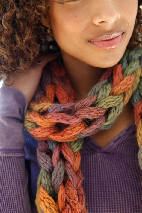 how to finger knit a thick scarf 33 best arm knitting images on finger knitting