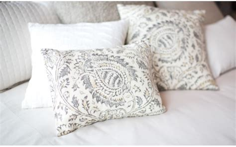 order of pillows on bed decorative pillows