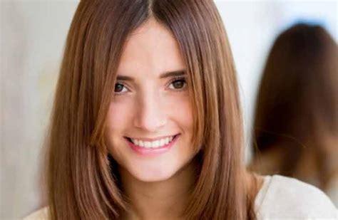 yuk intip model rambut wanita  cocok  wajah bulat