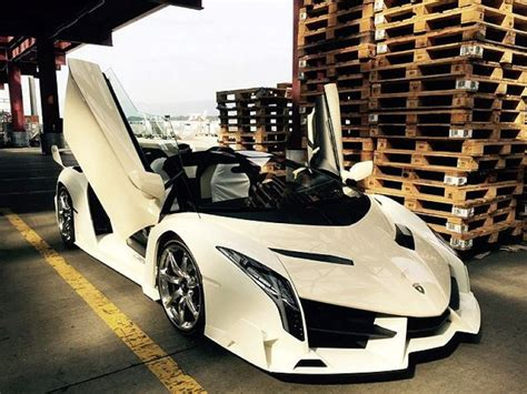 Veneno Lamborghini Owners A Owns This 4 4 Million Lamborghini Veneno Roadster
