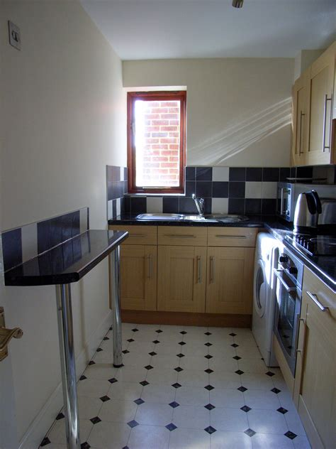 1 bedroom flat to rent in upton park 1 bed apartment to rent upton park slough sl1 2dp