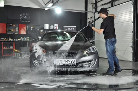 Automotive Detailer by Why One Would Need To Ensure The Best Auto Detailer