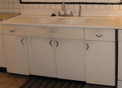 youngstown kitchen cabinets by mullins selling youngstown kitchen cabinets forum bob vila