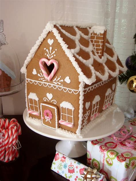 Gingerbread House Decoration by Butter Hearts Sugar Gingerbread House Part 2 Decorating