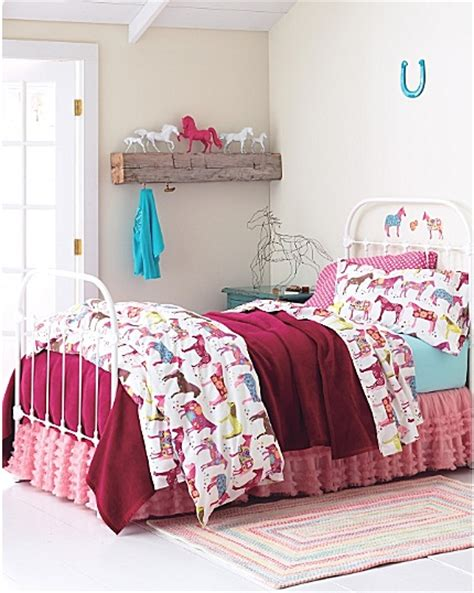 pony themed bedroom best 25 horse rooms ideas on pinterest horse bedrooms