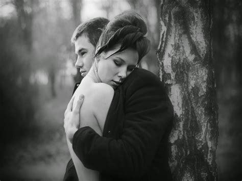 couple wallpaper black and white top 10 hug day 2016 hd wallpapers free download