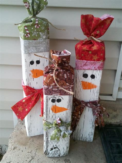 Holiday Bazaar Craft Ideas - a crafty side job make and sell decorations for the holidays