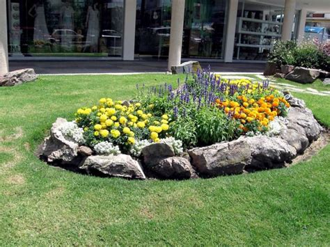 Rock Flower Bed Borders For Your Stunning Garden Small Rocks For Garden Beds