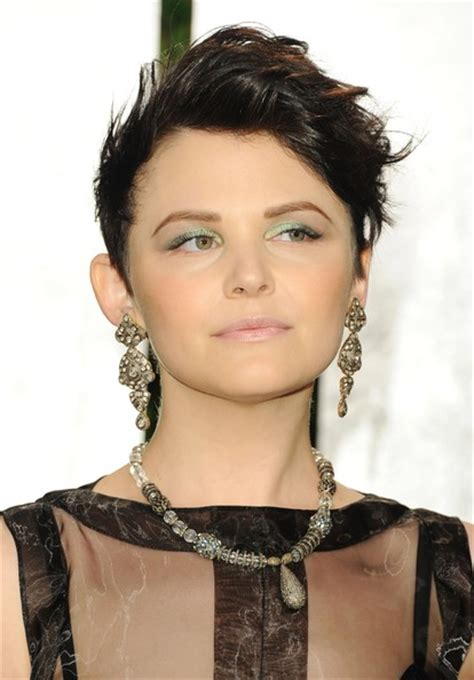hair styles for round fair ginnifer goodwin s oscar night hairstyle ginnifer