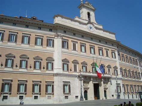 montecitorio sede gobierno de italia viajar a italia