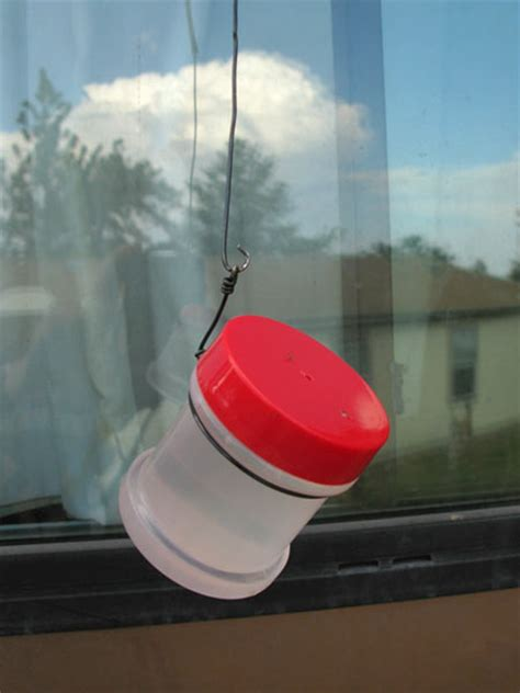 easy cheap diy hummingbird feeder for rvers using a spice