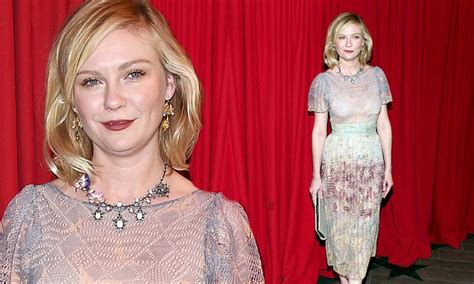 Ill What Shes Kirsten Dunst And Uberlube by Kirsten Dunst Stuns In Pleated Floral Print Dress At The