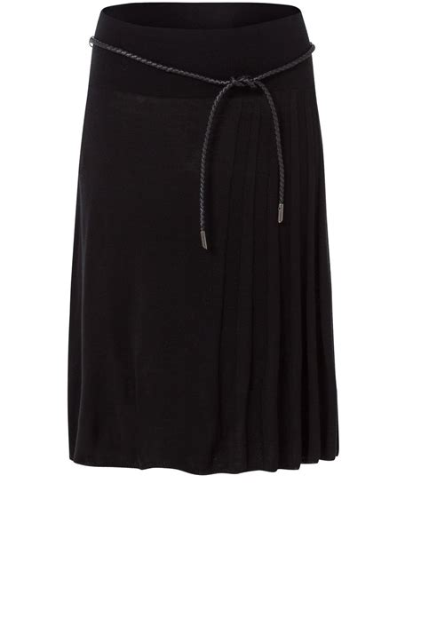 a line black knit skirt from shirt sleeves uk