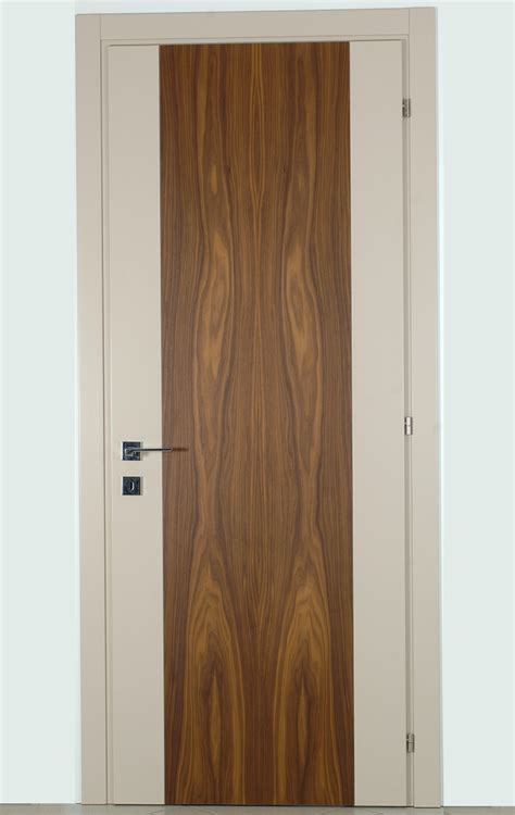 montaggio porte interne produzione vendita e montaggio porte interne in legno a