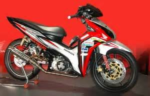 Sticker Motor Honda Supra X 125 R 12 Hitam Merah παπια eννέα παπιά φτιαγμένα μέχρι τέλους superpapi gr
