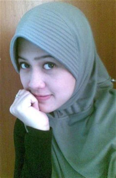 foto bugiil berjilbab lucky laki cewek cantik berjilbab hijab cantik