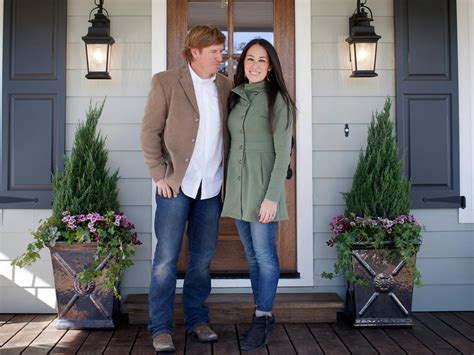 joanna and chip gaines house fixer upper the case of the collapsing carriage house
