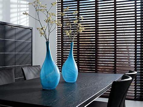 horizontale jaloezieen hout zwart houten jaloezieen zwart gelakt hout verven zonder schuren