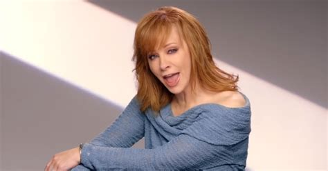 watch reba s empowering new going out like that video quot going out like that quot reba mcentire s 10 sassiest girl
