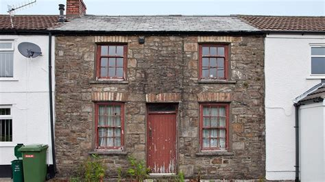 Bbc News In Pictures Cadw To Preserve 1854 Cwmdare Cottage Miners Cottage House Plans