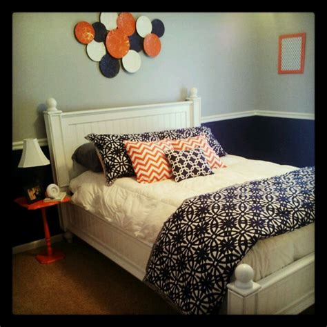 coral  navy bedroom colors images  pinterest guest bedrooms guest room