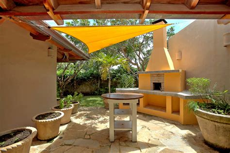 Kitchen And Dining Interior Design Barbecue Area