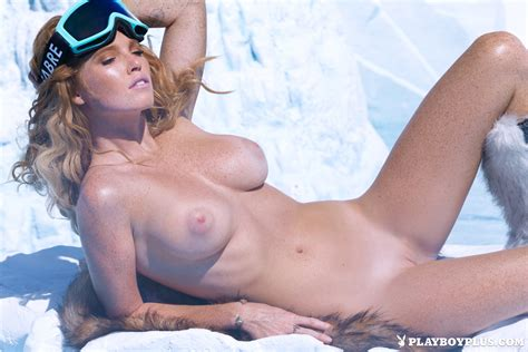 Elizabeth Ostrander In Hot Cold Centerfolds Blog