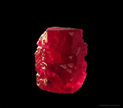 corundum var ruby fluorescent dt jwl jh
