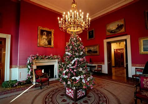 trump white house decoration 20 beautiful photos of white house christmas decorations 2017