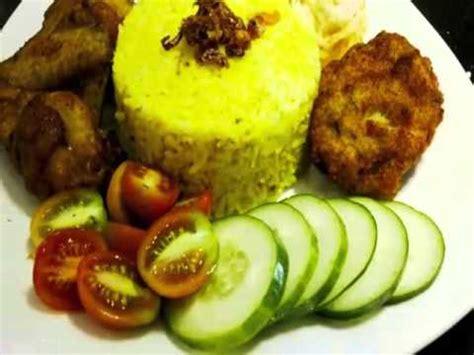 cara membuat nasi kuning banjar nasi kuning kotak tumpeng banjar komplit youtube