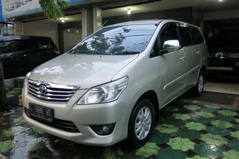 Toyota Innova G Mt toyota kijang innova g bensin mt 2013 mobilbekas