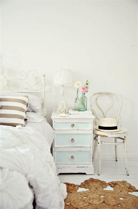 Weiße Möbel Landhausstil by Schlafzimmer Wandfarbe Gelb