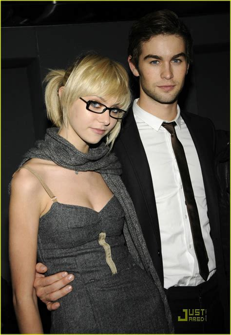 my celeb roomies episode list taylor momsen gets glasses photo 1480331 chace crawford