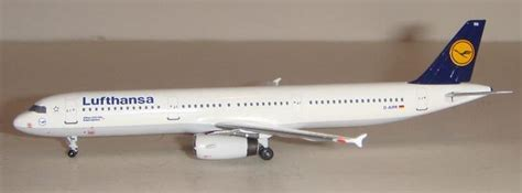 inscale tileicon 400 awt scale airplane models for sale scale 1 400 non wheels discussions pakwheels forums