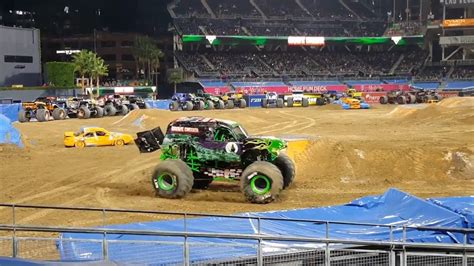 monster truck jam san diego grave digger san diego monster jam 2017 youtube