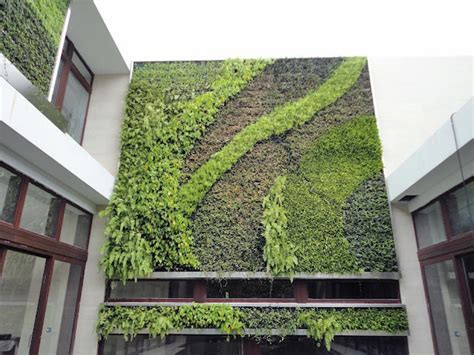 Design Trend: Living Walls   Outdoor Spaces   Patio Ideas